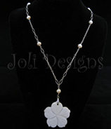 Luxe Fowerchelles with pearls necklace