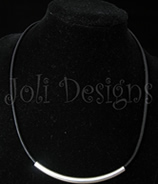 Joli leather and silver flower necklace