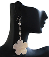 Luxe Fowerchelles with pearls earrings